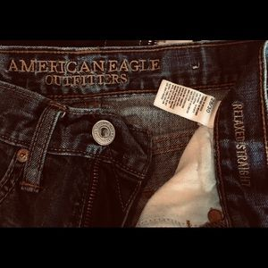 American Eagle Men's size 28/30. Relaxed Fit